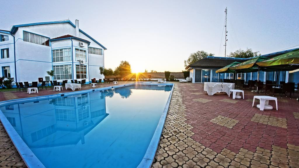 Hotel Sunrise Crisan 4