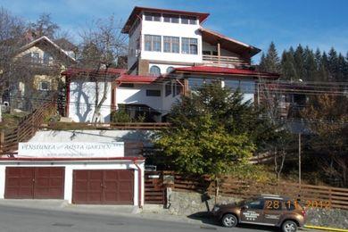 Pensiunea New Aosta Garden Sinaia 1