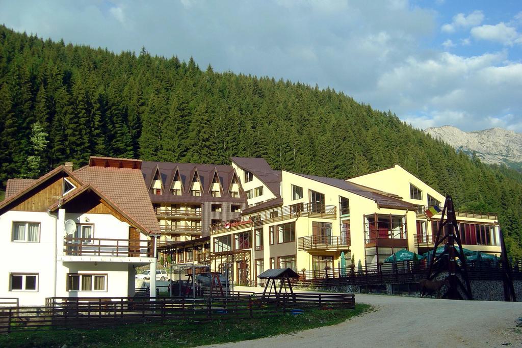Hotel Mistral Resort Moeciu 1