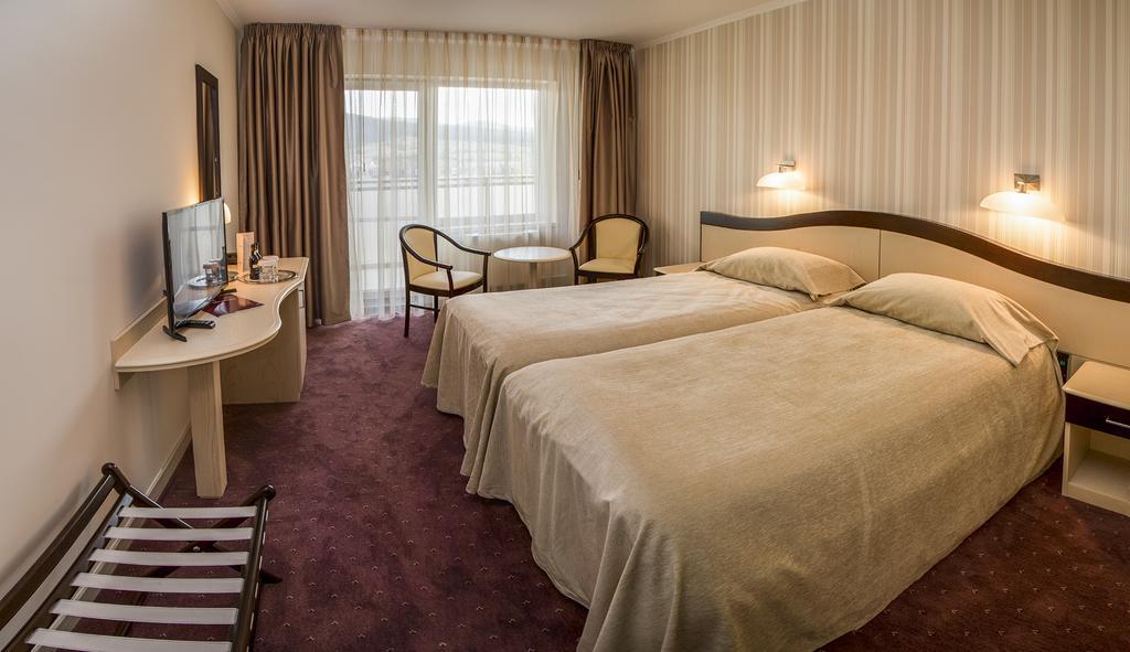 Hotel Caprioara Covasna 2