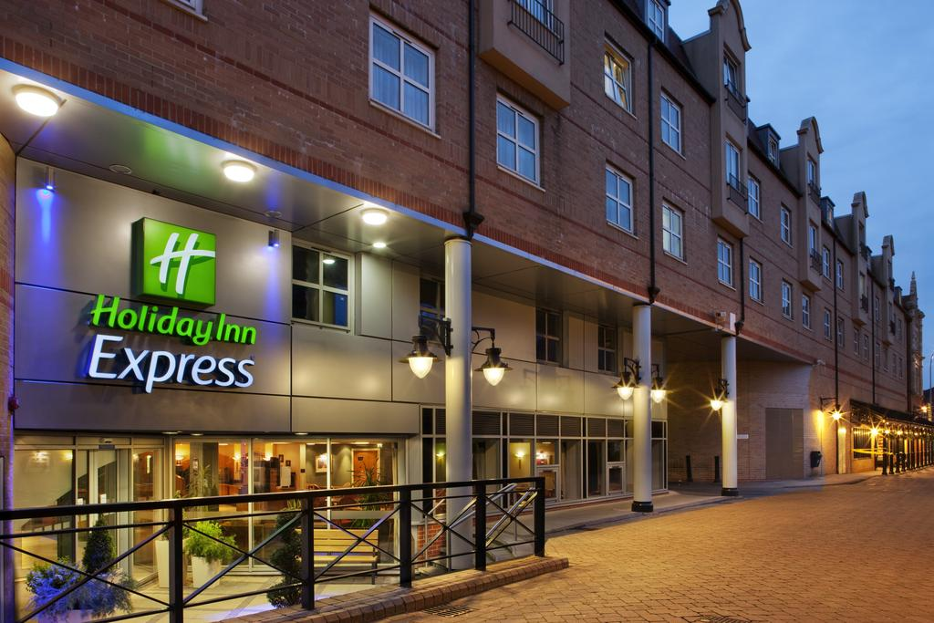 Hotel Holiday Inn Express London - Vauxhall Nine Elms Londra