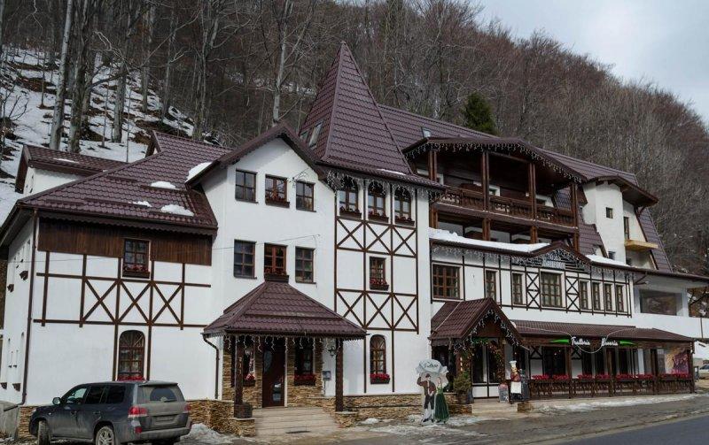 Hotel Bavaria Busteni 4
